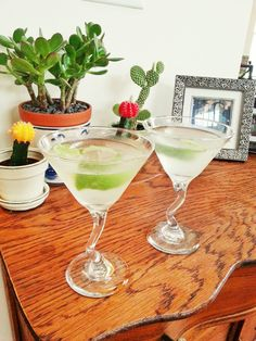 #FancyDrinkFriday: Ginger Basil Sparkle--cold vodka, savory flavors.  It's PERFECT for Summer.
