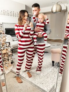 35 Best Matching Family Christmas Pajamas 2019 These trendy Lifestyle ideas would gain you amazing compliments. Check out our gallery for more ideas these are trendy this year. Family Christmas Pictures, Christmas Couple, Christmas Baby, Family Photos, Baby Christmas Outfits, Christmas Pyjamas, Christmas Pajamas For Family, Merry Christmas, Christmas Clothes