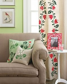 Floral Decor, painted with Martha Stewart Crafts Paint---think this would be nice in a sun room Martha Stewart Stencils, Martha Stewart Paint, Martha Stewart Crafts, Martha Stewart Manualidades, Stencil Painting, Paint Stencils, Adhesive Stencils, Stenciling, Tole Painting