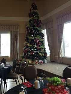 18' christmas tree Seasonal Decor, Holiday Decor, Christmas Tree, Seasons, Home Decor, Teal Christmas Tree, Room Decor, Xmas Trees, Seasons Of The Year