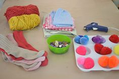 making homemade puppets from socks Homemade Puppets, Sock Puppets, Spring Crafts For Kids, Preschool, Puppet Theatre, Socks, Sewing, Projects, Fabric