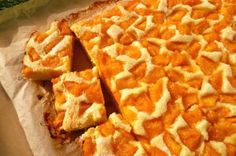 Bögrés sárgabarackos (v. bármilyen más gyümis) pite GyL! Apricot Cake, Hungarian Recipes, Baking And Pastry, Delicious Desserts, Waffles, Biscuits, Muffins, Food And Drink, Sweets
