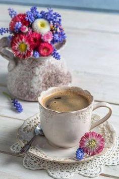 I'm having a coffee break: enjoy a great Friday Ladies❣️☕️💟 Coffee Vs Tea, Fresh Coffee, I Love Coffee, Coffee Cafe, Coffee Break, Coffee Drinks, Morning Coffee, Coffee Pictures, Coffee Pics
