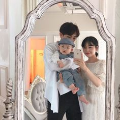 Image may contain: 2 people, baby and indoor Cute Asian Babies, Korean Babies, Asian Kids, Cute Korean Girl, Ulzzang Kids, Korean Ulzzang, Ulzzang Couple, Father And Baby, Dad Baby