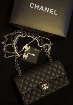 LOVE this bag! Determined to own one!!