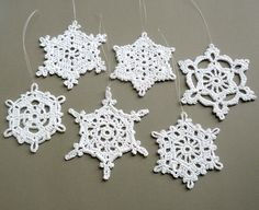 6 Crochet Christmas Decorations -- use doilies and stiffener as snowflakes