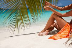 side view of young blond-haired woman in bikini sitting in a teak. Book Images, Beach Chairs, Beach Mat, Books To Read, Outdoor Blanket, Detail, Woman, Portrait, Reading