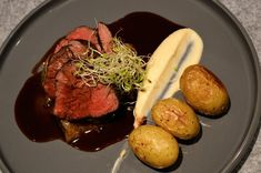 Helstekt indrefilet av okse | Ida Maries mat Steak, Food, Essen, Steaks, Meals, Yemek, Eten