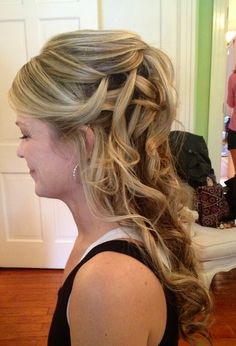 Romantic wedding hair, down and curl hair