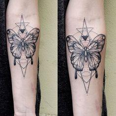 #butterfly#motyl#schmetterling#dot#dotwork#linework#tattoo#tatuaż#tatouage#berlin#berlintattoo#gloriousink#inked#ta2#custom#illustration#art#black#dark#