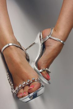 Silver Jeweled High Heels, Tacchi Close-Up #Shoes #Heels