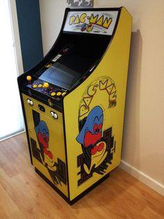 Arcade Games, Pinball Games, Diy Arcade Cabinet, Arcade Room, Lowboy, Retro Images, Arcade Machine, Toy Chest, Diy Furniture