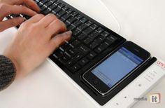 iPhone USB keyboard dock