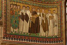 Giustiniano I e la sua corte - Basilica di San Vitale a Ravenna - Arte Bizantina/Cristiana (IV secolo d.c.)
