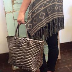 Beautiful shimmer bag | #loreleiboutique