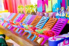 Luau Pool Parties, Pool Party Kids, Beach Party, Birthday Parties, Party Fair, Tropical Party, Ice Cream Party, Minnie, Independence Day