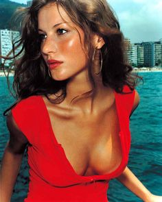 Gisele Bündchen (1998) by Mario Testino one of the greatest photographers of all time