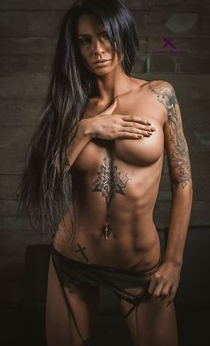 BADASS, TATTOOED ATHLETIC DREAM BODY of sexy #Fitness model : Health, Exercise & #Fitspiration - the best #Inspirational & #Motivational Pins by: http://cagecult.com/mma
