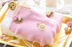 Make this gorgeous princess party cake by food expert Annabel Karmel - perfect for your little girls' birthday party