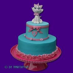Marie from the Aristocats cake