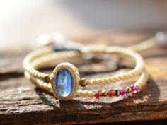 There is a small natural jewelry stone shop situated in Tohoku Region, Sendai, Miyagi Prefecture of Japan.  This shop focus on selling handmade Jewelry and the daily used Original Waxed cord (Macrame cord).