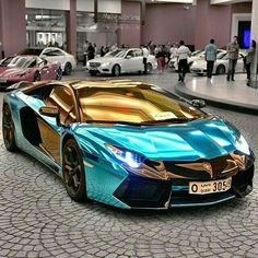 AMAZING GOLD & BLUE LAMBORGHINI.<< WOW