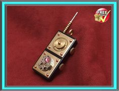 Steampunk Jewelry Domino Pendant Pocket Radio at etsy Wire Jewelry, Jewelry Crafts, Jewelry Art, Unique Jewelry, Domino Crafts, Domino Art, Domino Jewelry, Pocket Radio, Match Boxes