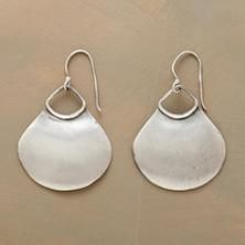 NILE FAN EARRINGS -- Slightly concave to catch the light, brushed sterling silver scallops bring simple back. Metal Clay Jewelry, Jewelry Art, Unique Jewelry, Jewelry Design, Jewlery, Jewelry Ideas, Earrings Handmade, Handmade Jewelry, Precious Metal Clay