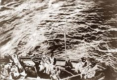 Here`s  a stunning image of Titanic survivors on way to rescue ship Carpathia. It was taken in 1912.
