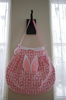 Free Bunny Bag Pattern with pocket for bunny ears!