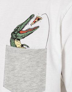 Crocodile pocket print T-shirt - T-shirts - Clothing - Man - PULL&BEAR United Kingdom custom tshirt Shirt Print Design, Shirt Designs, T Shirt Print, Printed Shirts, Tee Shirts, Shirt Men, Create Your Own Shirt, Geile T-shirts, Funny Graphic Tees