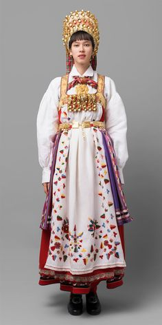 Bridal bunad from, Aust-Agder, Norway Folk Costume, Costumes, Figure It Out, Character Outfits, Traditional Dresses, Ukraine, Norway, Bridal Dresses, Harajuku