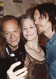 Greg Nicotero, Melissa McBride, & Norman Reedus take a selfie, SDCC