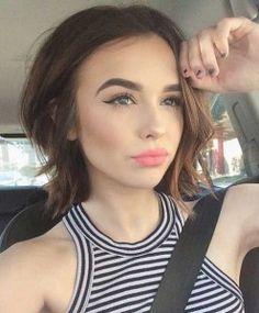 Short layered hair for thin hair