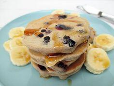 Bananen Blaubeer Pfannkuchen (Vegan, Glutenfrei, Ohne Zucker, Ohne Öl) | Das Vegan Monster - vegane & glutenfreie Rezepte