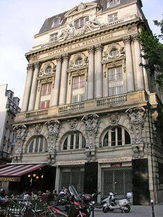 Th& de la Renaissance- Bd St Martin, Paris Beautiful Paris, Paris Love, Most Beautiful Cities, Beautiful Buildings, Paris Travel, France Travel, Monuments, Midnight In Paris, Belle Villa