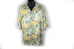 Vintage Mens Shirt Hawaiian Shirt TOMMY BAHAMA by DieVoltVintage