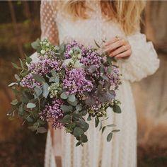 """617 Me gusta, 12 comentarios - Las Bodas De Araventum (@lasbodasdearaventum) en Instagram: """"La nueva colección de @immaclenovias tiene un aire romántico y boho que nos encanta! Y el ramo de…"""""""