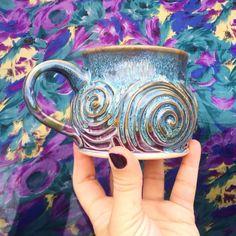 That swirl, though! Via @elanpottery