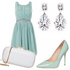 Siete invitate ad un matrimonio all'aperto...niente di più adatto allora di un abito corto e stile impero nelle tonalità pastello del verde acqua...ideale per un look romantico ed etereo ma sempre con stile