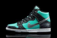 "Diamond Supply Co. x Nike SB Dunk High ""Tiffany"""
