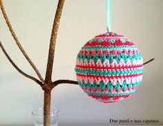 Xtra Xmas – Due punti e una capanna Christmas Baubles, Christmas Themes, Christmas Crafts, Xmas, Holiday Decor, Crochet Christmas, Garden Crafts, Ravelry, Crochet Patterns