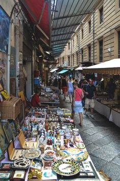Via Macceronai and the vintage market in Palermo, Sicily | heneedsfood.com