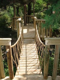 Easy Simple Tree House Plans | ... rope-railing-for-awesome-tree-house-design-cool-tree-house-designs.jpg
