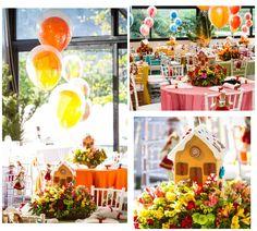 Mesa para convidados decorada para João e Maria com enfeite casinha de doces - Alexandre e Rafaela - 01 ano