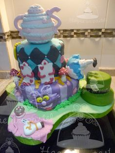 Alice in wonderland... Super pastel....  Seguinos en facebook... https://www.facebook.com/pages/Hazme-un-pastel/471162906326169