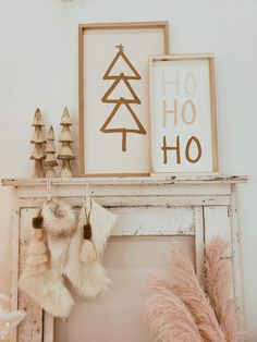 Bohemian Christmas, Christmas Mood, Noel Christmas, Simple Christmas, Christmas Signs, Christmas Mantel Decor, Christmas Decorating Ideas, Holiday Ideas, Scandinavian Christmas Decorations