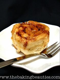 You won't believe that these amazing cinnamon buns are GLUTEN FREE! Wow! from The Baking Beauties