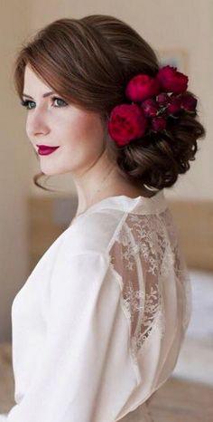 Wedding updo hairstyle idea via Elstile