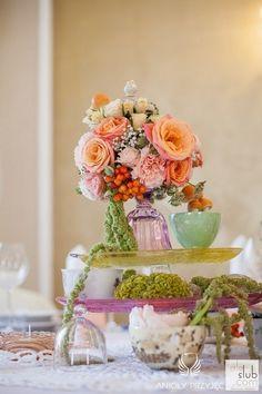 17. Alice in Wonderland Wedding,Centerpieces,Vintage tea cup / Alicja w Krainie Czarów,Dekoracje stołu,Anioły Przyjęć